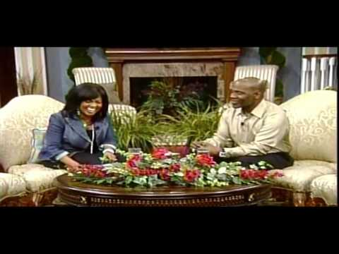 Bebe & Cece Winans - Close To You--(live) video