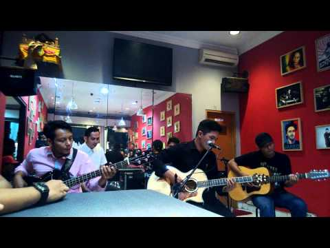 Captain Jack - TV Sampah (acoustic version) -at Mars Radiance...