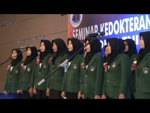 mahasiswa fkg umi menyanyikan mars kesehatan tni al di hotel aston makassar