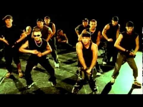 """L.L. Junior 'Raggamoffin 2.' című dalának hivatalos videóklipje a 2003-as 'A tűz mindig tombol' albumról. Műsorszervezés: +36203370938 Szerz�k: Lakatos Róbert, �rgyó """"Begyo"""" Péter..."""