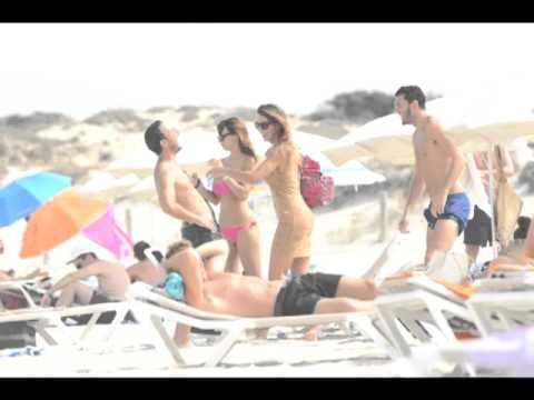 Melita Toniolo in bikini a Formentera