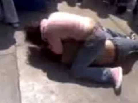 Shocking Girls one to one street fight Image 1