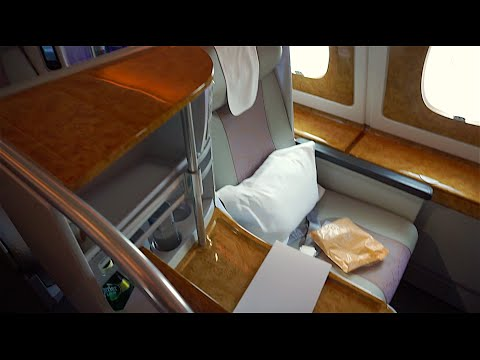 Emirates A380 BUSINESS Class - SYD to AKL (EK412) - 2015