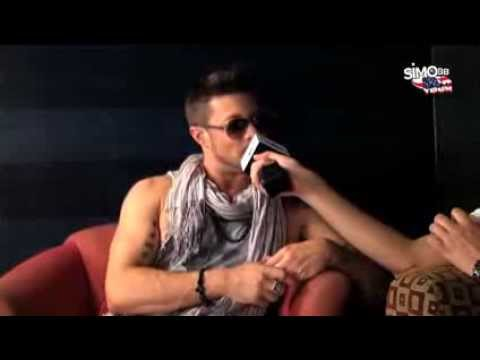 Simobb interviewing Duncan James ( Blue ) @ RedOne's studio @ Hollywood klip izle