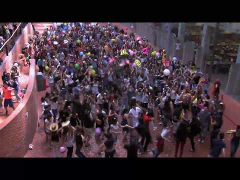 "LIP DUB UPF ""Wake me up before you go-go"" (Barcelona, 2010)"