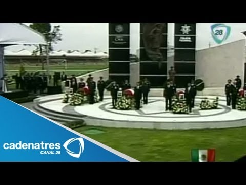 Rinden homenaje a policías que fallecieron al derrumbarse el helicóptero de ayuda