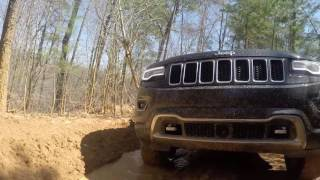 At Stoney Lonesome Offroad Park in 2014 Jeep Grand Cherokee WK2