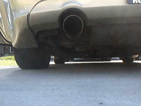 Infiniti G35 Stock Exhaust, Rev and quick flyby Video