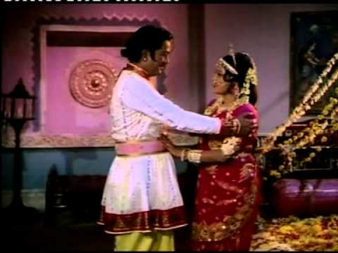 Suhagrat Scene video