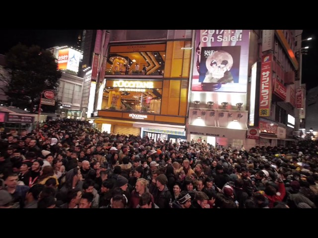 SHIBUYA Scramble Crossing 2016 – 2017 countdown!!