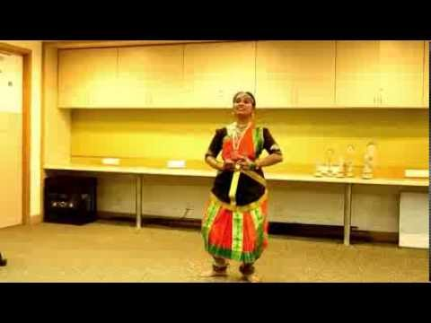 KTM: Ek dantaya vakratundaya performance by TM Akanksha Nayagandhi...