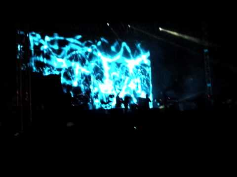 Portishead - Mysterons ( Live Performance in Istanbul)