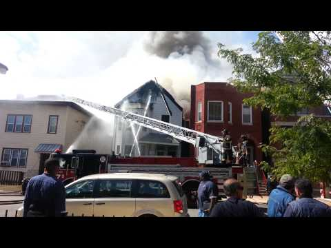 Early video: Multiple homes burn in Chicago