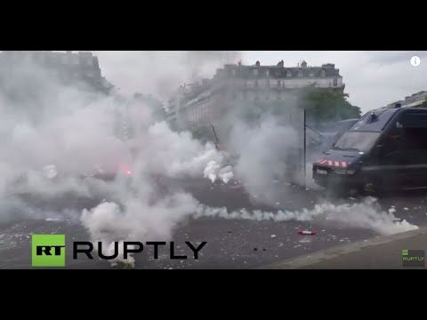 LIVE: Trade unions continue to protest against labour reforms in Paris