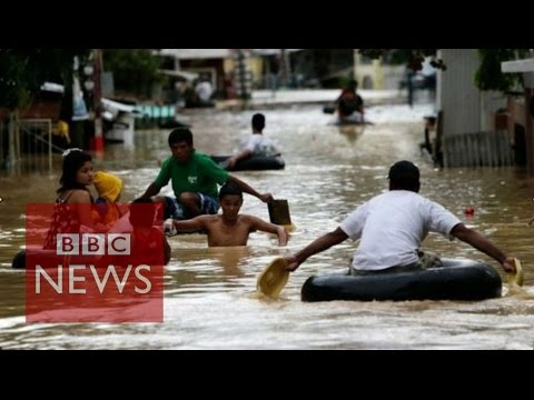 Philippines: Typhoon Koppu's torrential rain - BBC News
