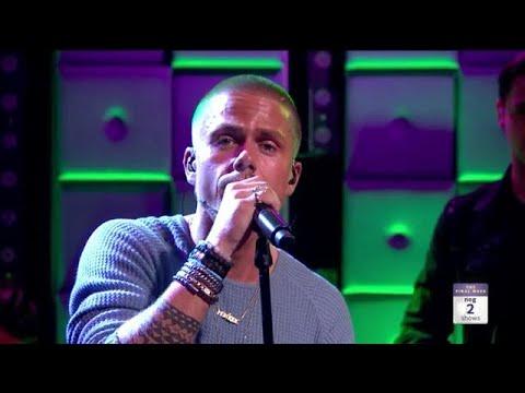 André Hazes Jr. zingt emotionele Humberto toe - RTL LATE NIGHT | RTL Late Night