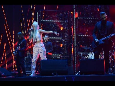 The HARDKISS performs at Yuna Awards