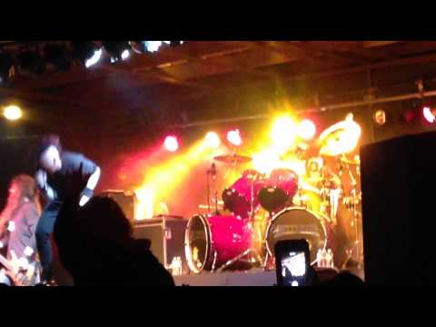 Hellyeah Perform 'drink Drank Drunk' In Abilene