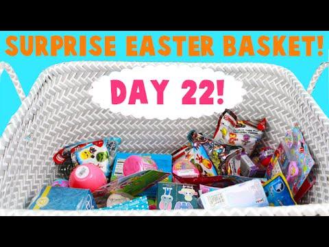 Surprise Easter Basket! Opening Blind Bag Toys! Day 22-Elsa Finds Minty!