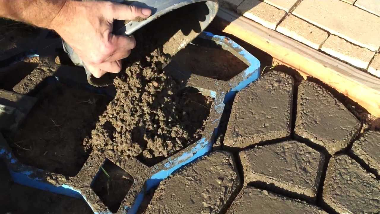 how to make concrete paving stones youtube. Black Bedroom Furniture Sets. Home Design Ideas