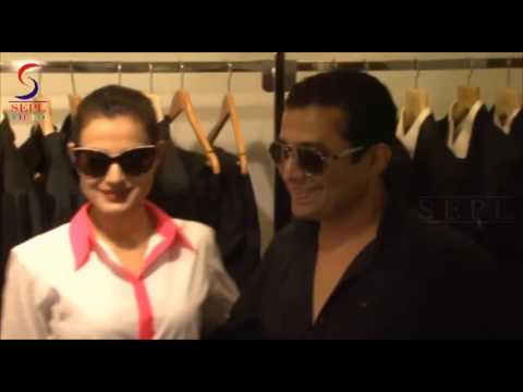 Gorgeous Gal Ameesha Patel Sexy Curve Figure Shows Wild video