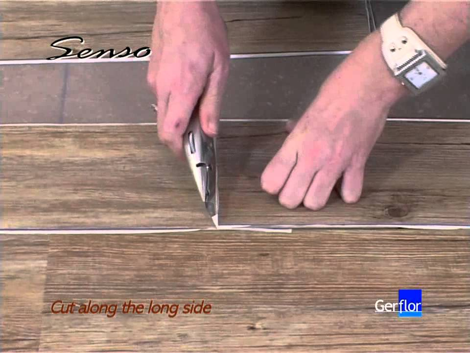 Pisos Para Baños Vinilicos:Colocación suelo autoadhesivo – YouTube