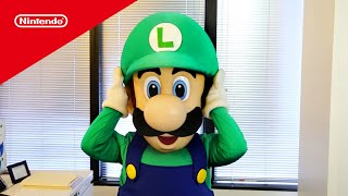 Luigi Runs the Nintendo 2DS Factory for a Day!