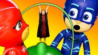 PJ Masks and the Assistant Shrink to find Lost Trick or Treating Bags