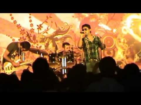 FARHAN SAEED PERFORMANCE AT JUET guna-halka halka suroor