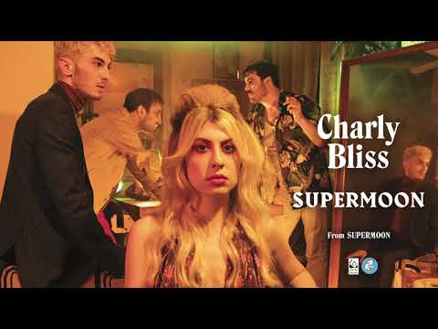 Download Charly Bliss - Supermoon Mp4 baru