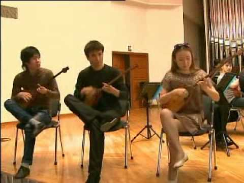 Kazakhstan musicians show how to really play a dombra