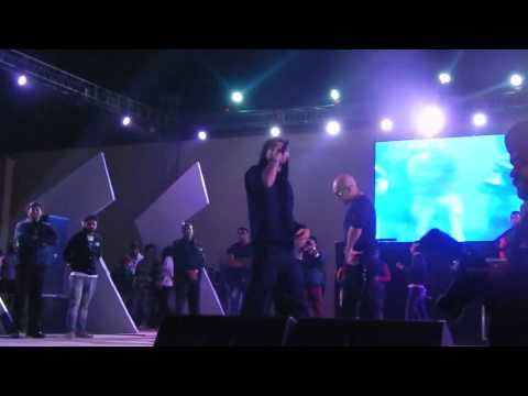 Bohemia challenging Honey Singh live at Aranya 2k13 Thapar Univeristy...
