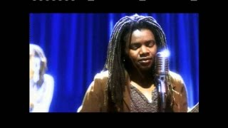 """Tracy Chapman - """"Give Me One Reason"""" (Official Music Video)"""