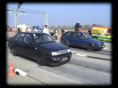 VW Vento 1.9 TDI Vs. VW Golf II TDI Drag Race