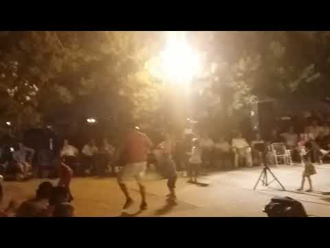 CHAABI LIVE - طفل يرقص على موسيقى الشعبي روووووعة thumbnail