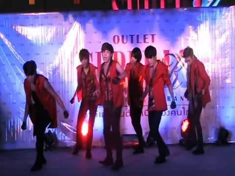 DEFVALEN cover INFINITE BTD+Be Mine @ outlet super K event