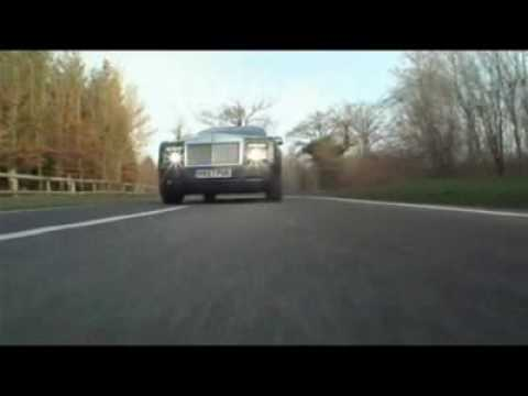 Monumentaler Zweitrer: Das Rolls-Royce Phantom Coup Video