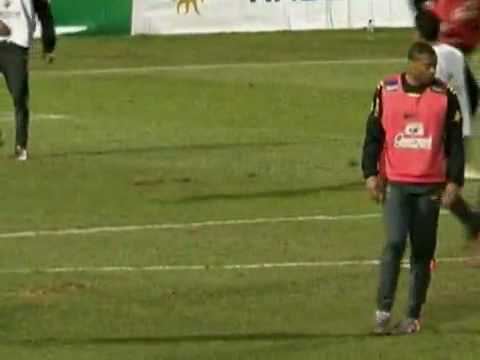 Julio Baptista vs Daniel Alves - End of Training Of Brazil 11/06/2010