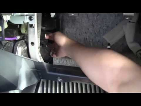 Clean/Replace 2013 Nissan Juke Cabin Air Filter