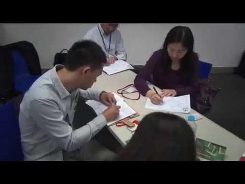 Dr Ken Hudson running an Ideas Blitz in Coca-Cola in Shanghai