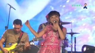PUENAK ! Tasya Rosmala - Menunggu Kamu LIVE Alun - Alun Purwodadi Grobogan HUT TNI ke 73