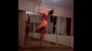Jacqueline Fernandez hot Pole Dance (Gone Viral)