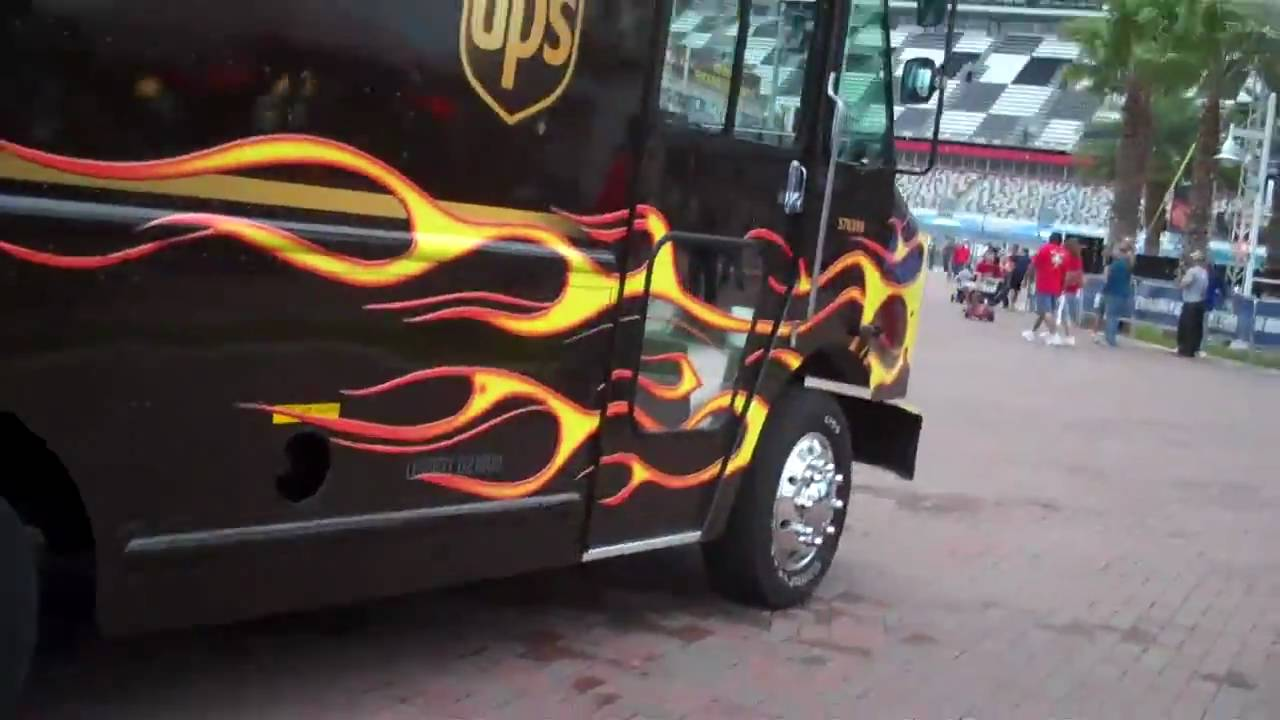 Tricked out UPS truck - YouTube