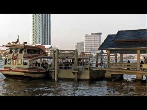 The water-bus of Chao Phraya River  ヘンデル 組曲「水上の音楽」 バンコクの水上バス