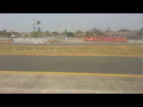 SpiceJet Boeing 737-900 Landing at Mumbai, Runway 14 !