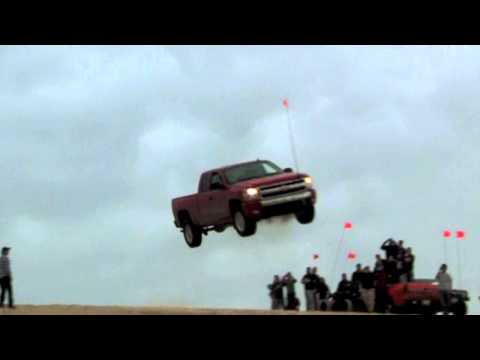 Extreme jump and crash, Chevrolet - Silverlake 2011
