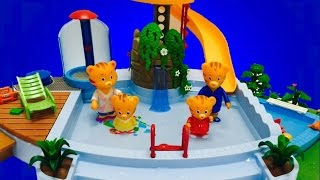 DANIEL TIGER'S Neighbourhood Toys Go Swimming In Pool!