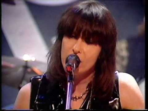 Pretenders  - Night In My Veins (TOTP)