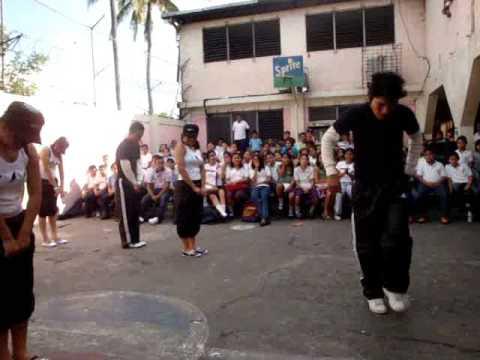 Danza colegio jardin 2008 2 youtube for Colegio jardin de africa