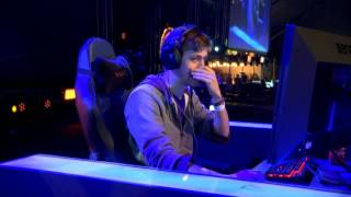 Sodapoppin plays Racist song live on stage @ Dreamhack